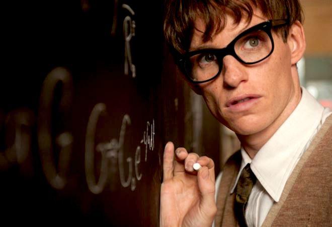 Eddy Redmayne interpreta Stephen Hawking in La Teoria del Tutto