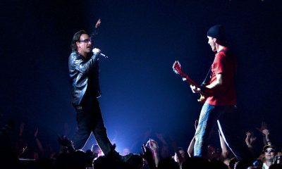 Bono Vox: cade nel vuoto dal palco, durante il concerto degli U2