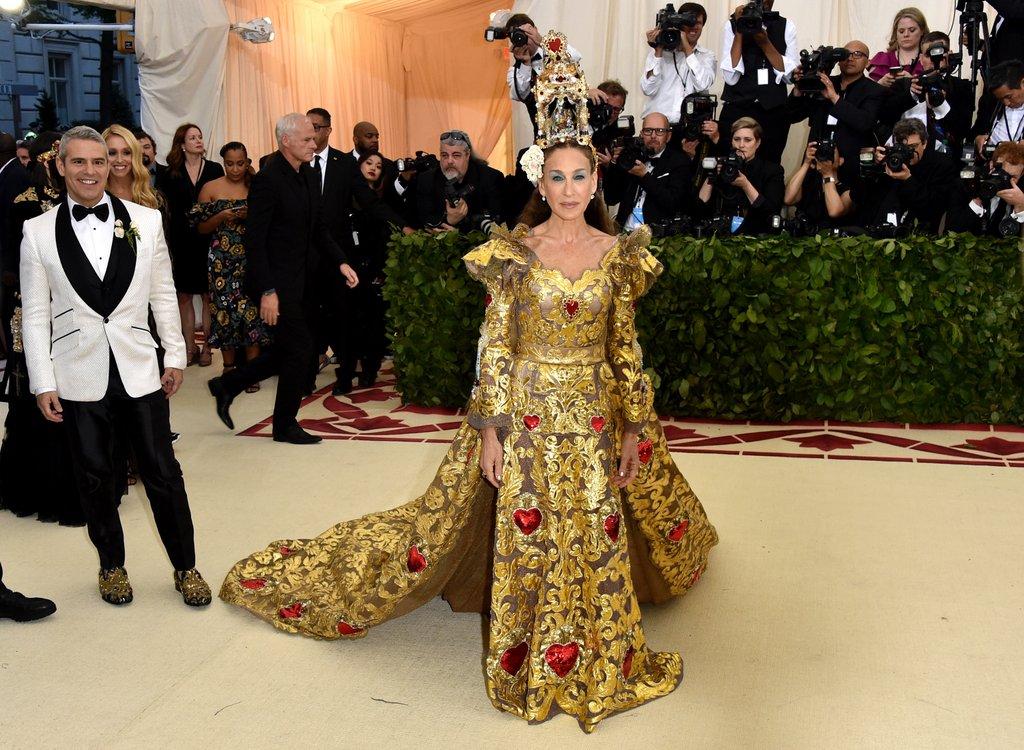 Rihanna: look da papessa al Met Gala 2018|altri outfit dal ...