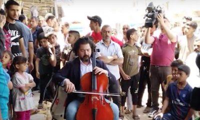 Terrorismo: 'Combatterlo' con la musica. Il maestro iracheno suona tra le macerie