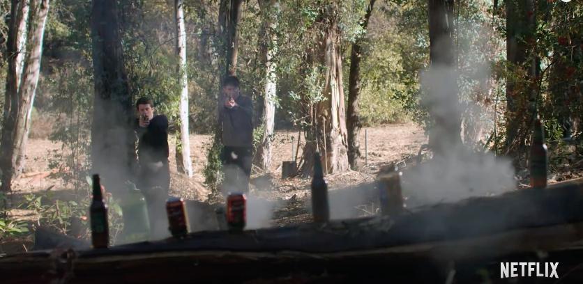 Clay e Tyler in una scena del trailer di 13 Reasons Why 2
