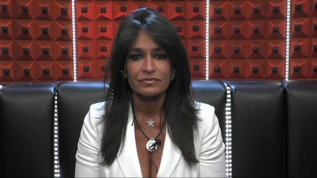 Grande Fratello Vip: La polizia arresta la provocatrice del reality show
