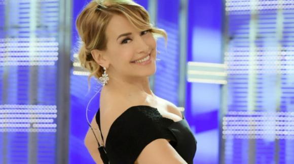 Belen Rodriguez - La moglie di Stefano De Martino torna a pungere la D'Urso