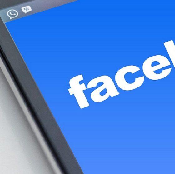 Facebook bannato