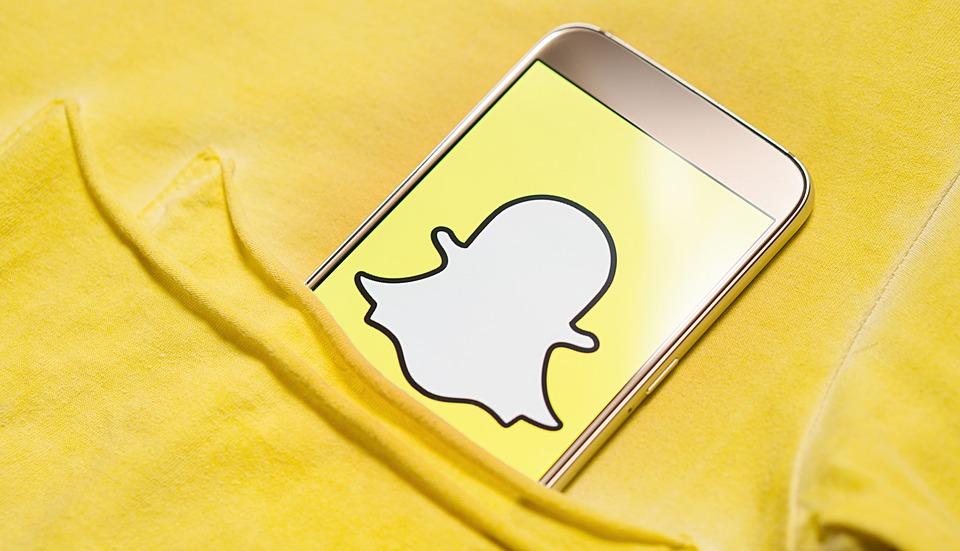 Snapchat: utenti infuriati per il restyling