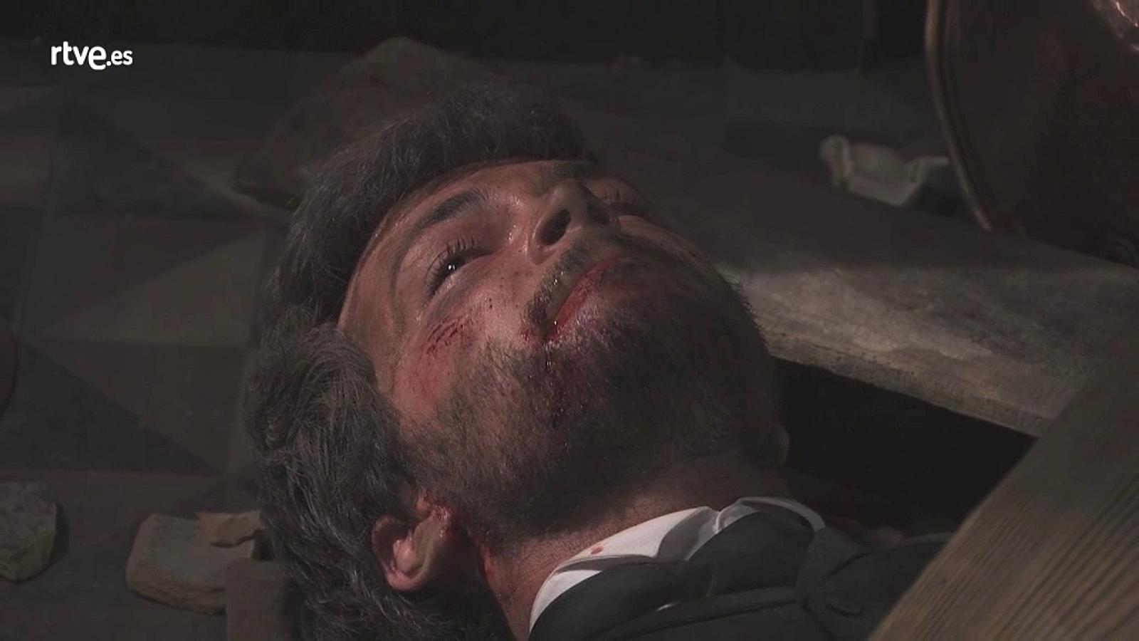 Una Vita: Pablo rimane intrappolato sotto le travi del soffitto