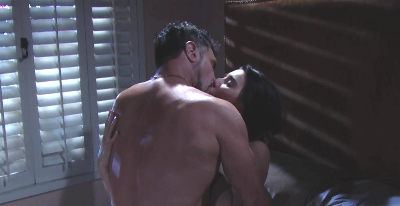 Beautiful: Steffy e Bill a letto insieme