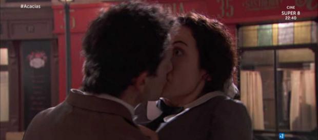 Una Vita, anticipazioni lunedì 17 settembre: Antonito bacia Lolita
