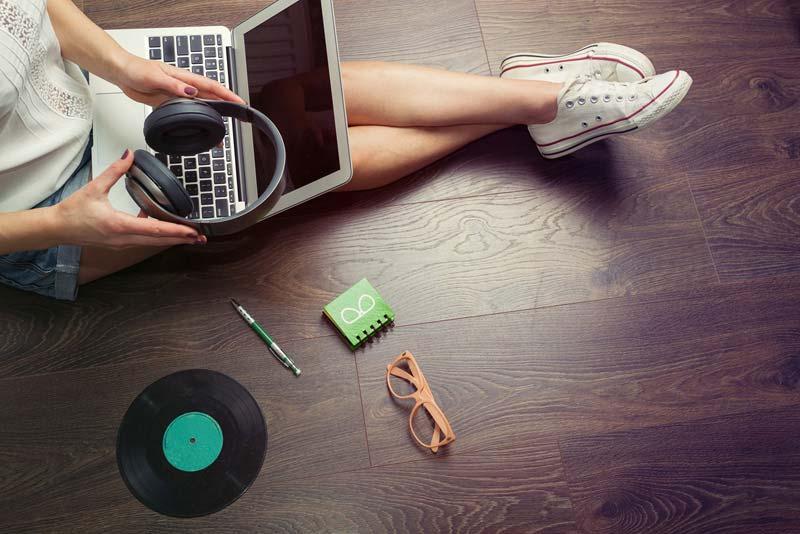 Canzoni 2018 5 brani per accompagnare lo studio gogo for Cuffie antirumore per studiare