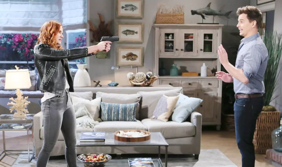 Beautiful - Sally punta una pistola contro Wyatt