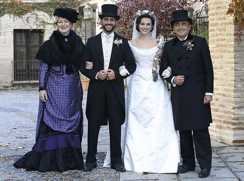 Maria Luisa, Victor, Ramon e Donna Susana / Una Vita