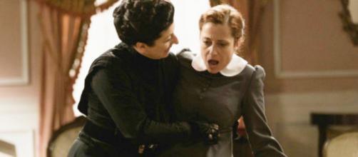 Una Vita: Samuel arrestato, Ursula accoltella Carmen