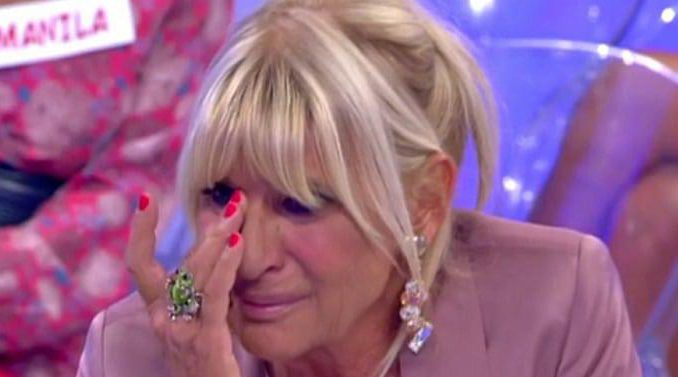 Uomini e Donne -Gemma scoppia a piangere dopo le segnalazioni su Ciano
