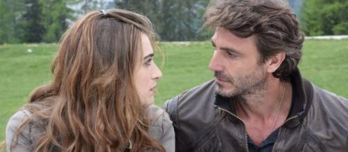 Un passo dal cielo 5, puntata 14 novembre: Francesco diviso tra Emma e Elena