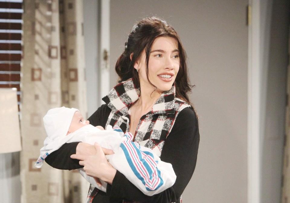 Beautiful, trame 20-26 gennaio: Steffy adotta Beth, il piano di Reese riesce