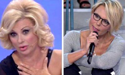Uomini e Donne: Maria De Filippi bacchetta Tina Cipollari, il motivo