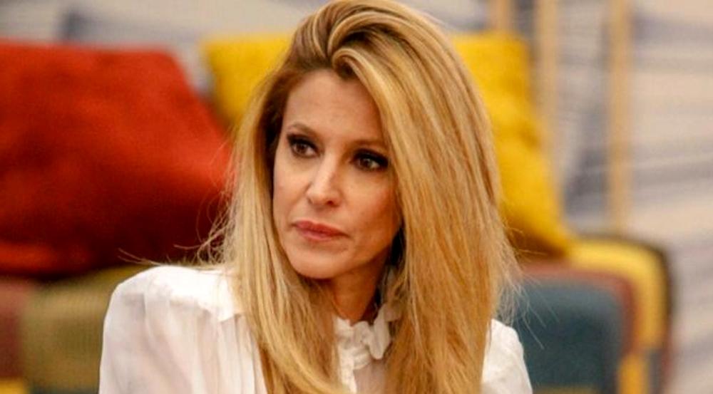 """Grande Fratello Vip: Adriana sulla morte del suocero Ernesto Parli: """"il virus ce l'ha portato via"""""""