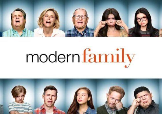 Modern Family 11 - Recensione ultima stagione+locandina della serie