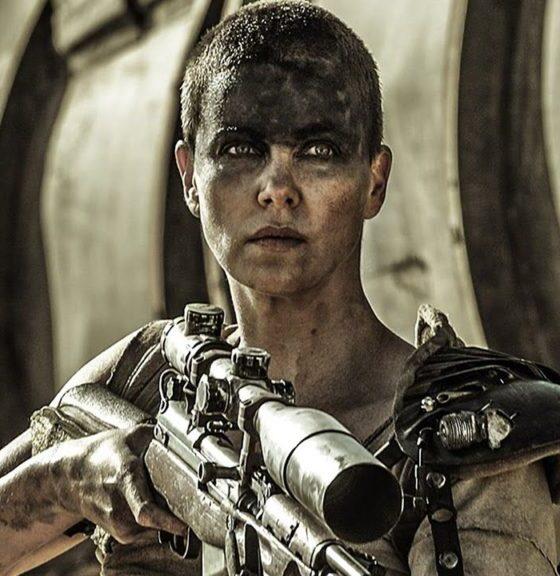 Charlize Theron è Furiosa in Mad Max: Fury Road