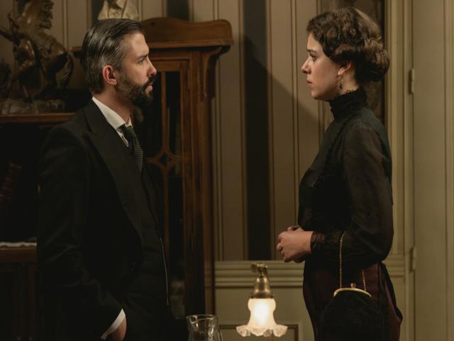 Una Vita - Felipe inizia a nutrire una cocente attrazione per la vedova di Samuel