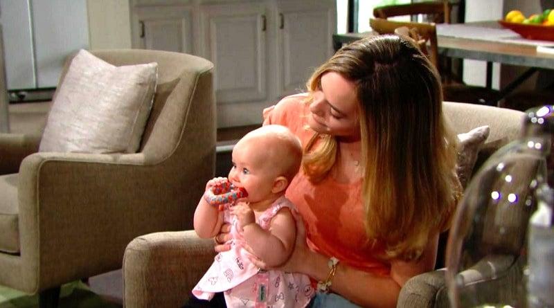Beautiful - La figlia di Brooke prende tra le braccia Phoebe chiamandola Beth