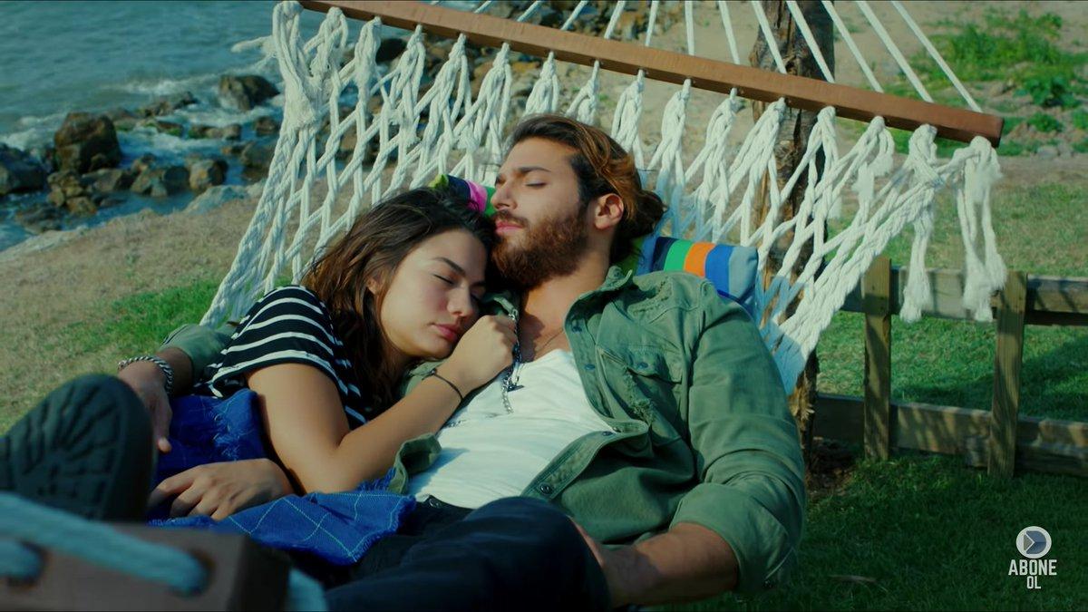 Daydreamer - Sanem e il fotografo si addormentano l'uno tra le braccia dell'altro