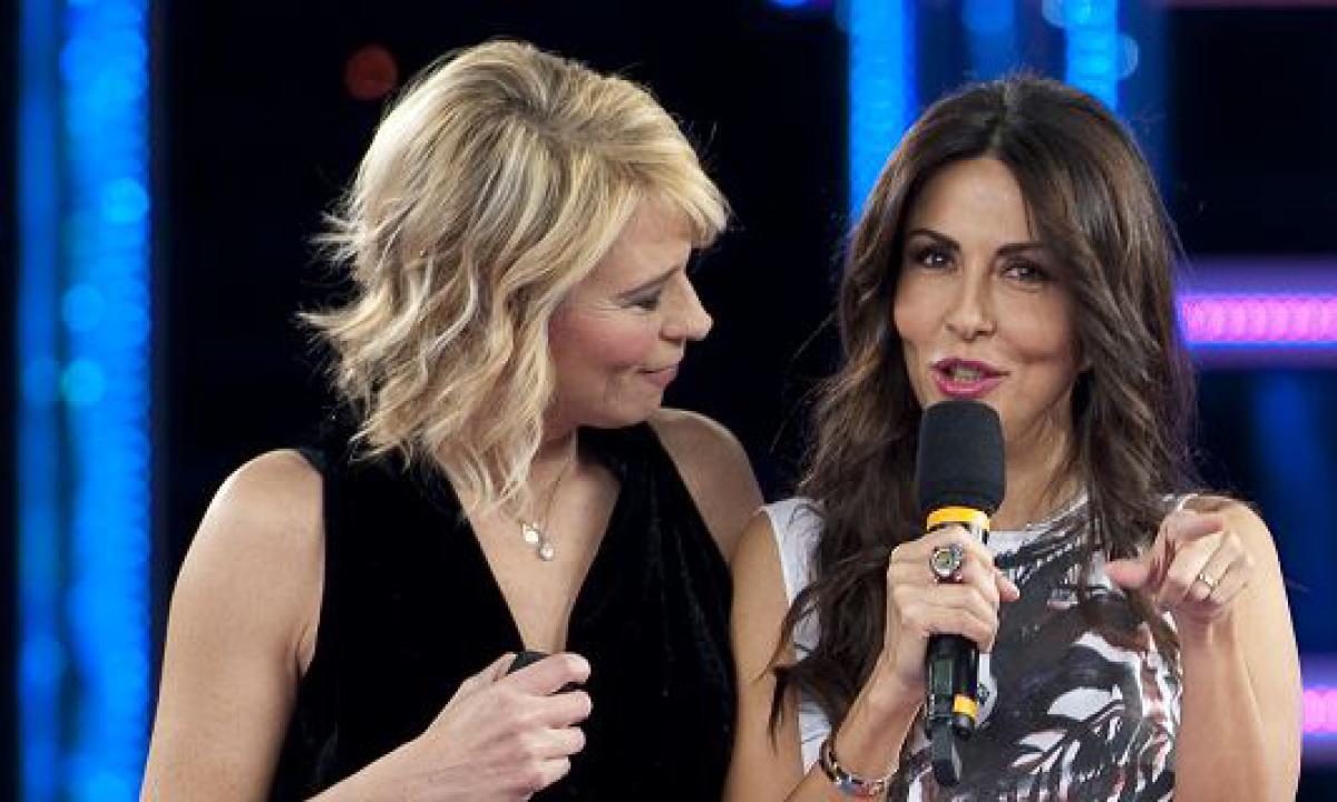 Maria De Filippi sbarca su Rai Uno con Sabrina Ferilli: il programma
