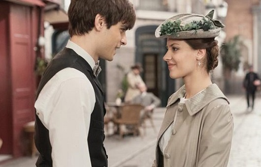 Una Vita - Emilio prende a pugni Victoriano per salvare Cinta