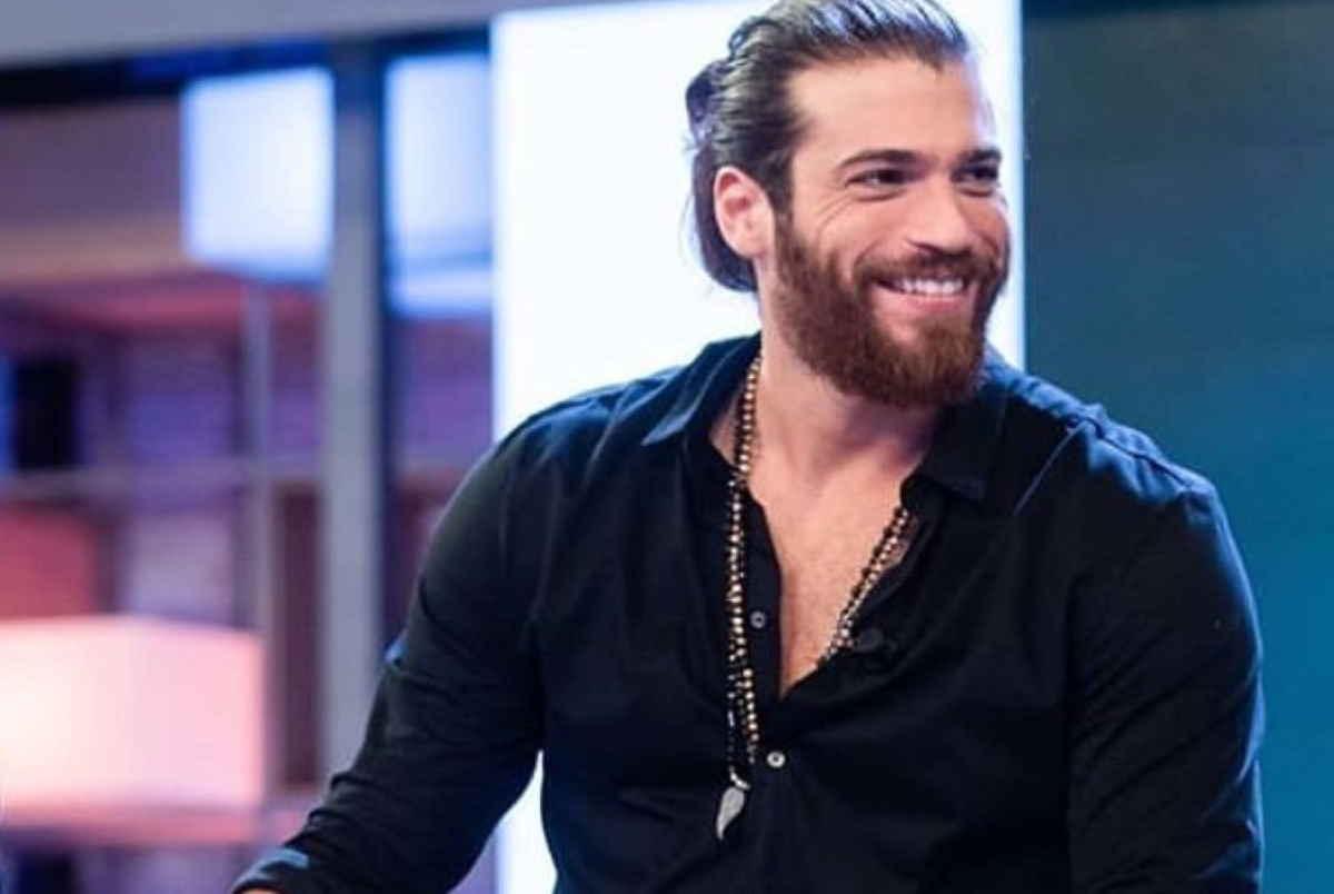Can Yaman - L'attore turco non entrerà nella casa più spiata d'Italia