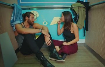 Daydreamer - Le ali del sogno, puntata 1 settembre: Can regala alla figlia di Nihat un ciondolo portafortuna