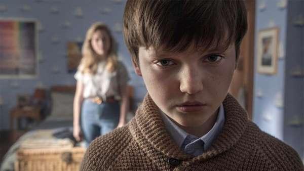 Netflix ha rilasciato il trailer della nuova serie horror TheHuntingofBlyManor