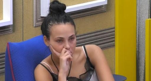 """Grande Fratello Vip, l'attrice Adua Del Vesco in crisi: """"Non so se rimanere"""""""