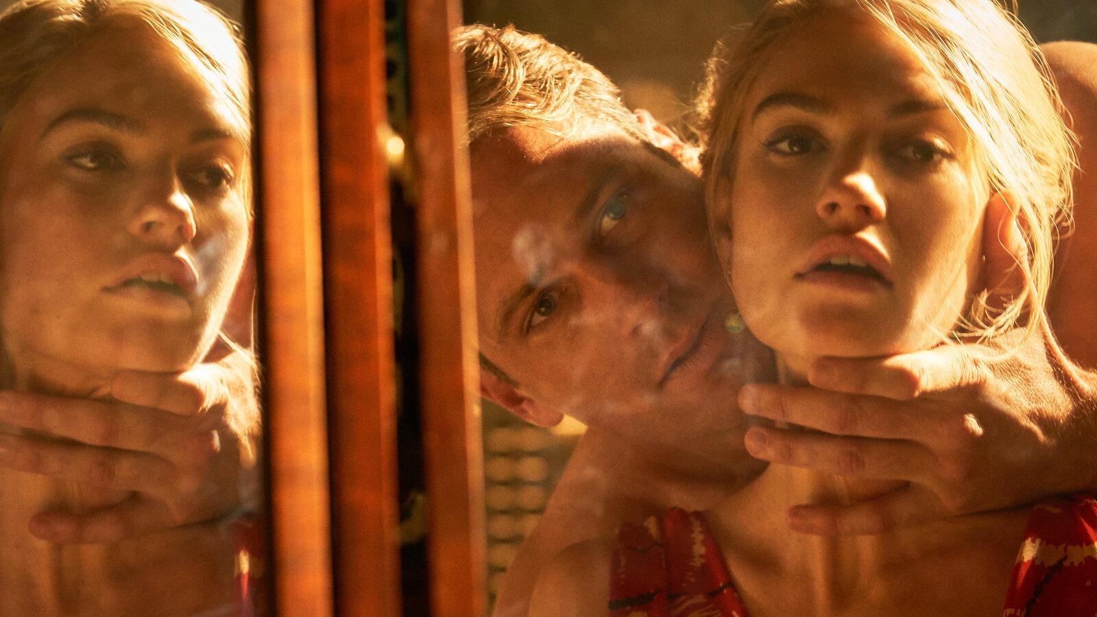 Lily James e Armie Hammer nel film Netflix Rebecca, Gogo Magazine