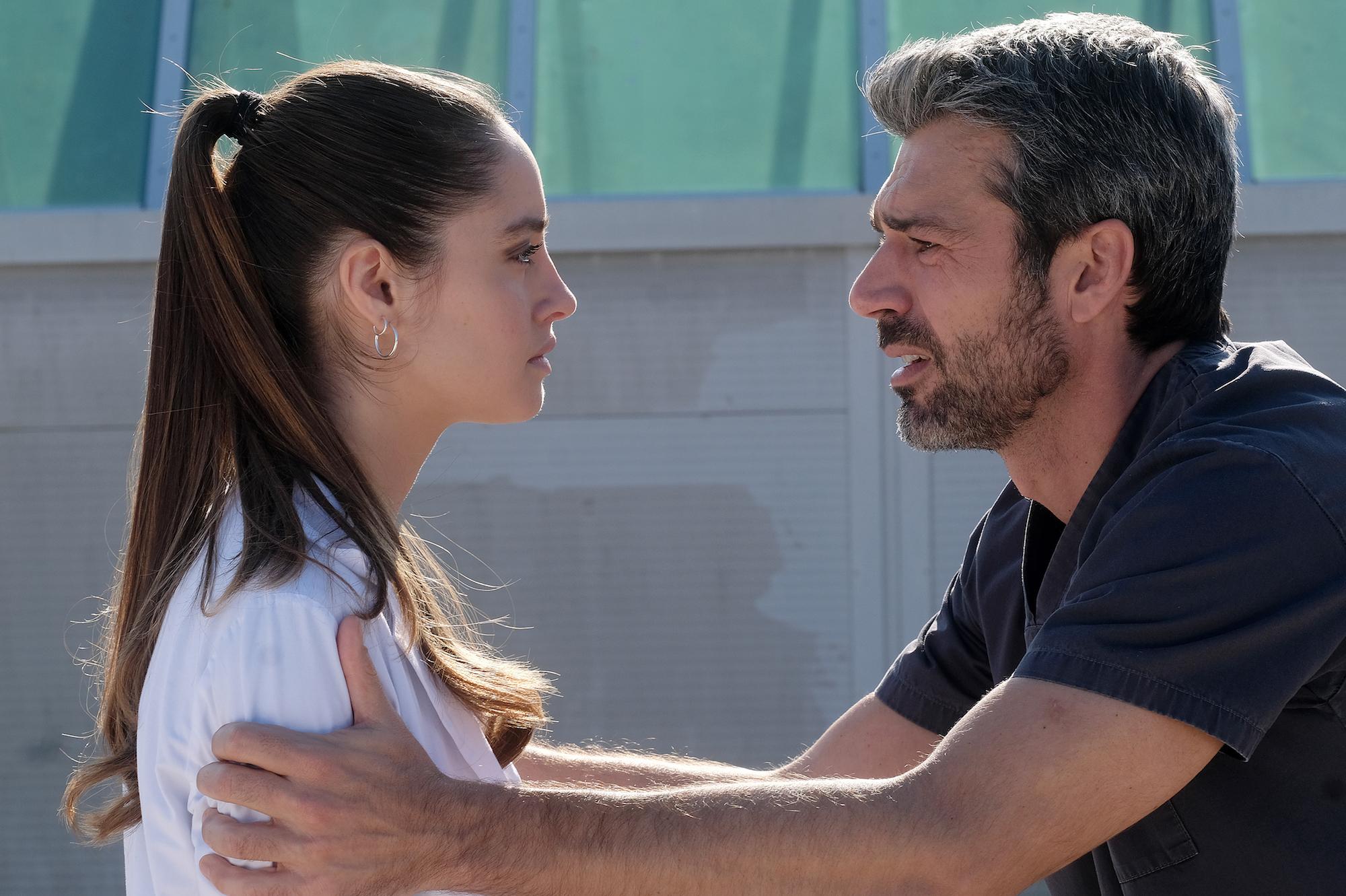 Doc - Nelle tue mani: Luca Argentero annuncia un finale aperto
