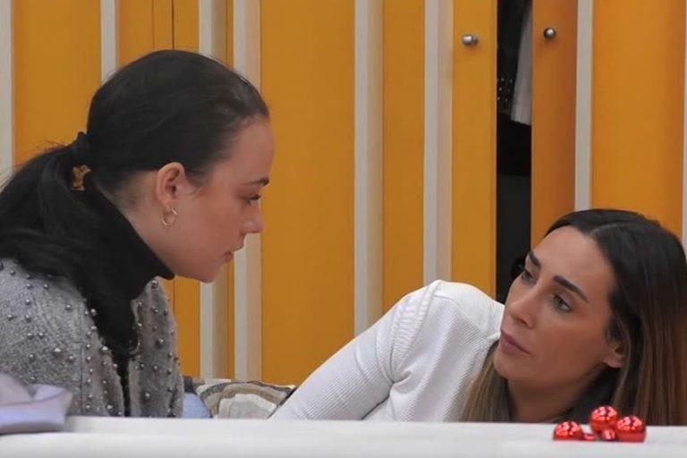 Grande Fratello Vip: Sonia, offese gravi contro Rosalinda