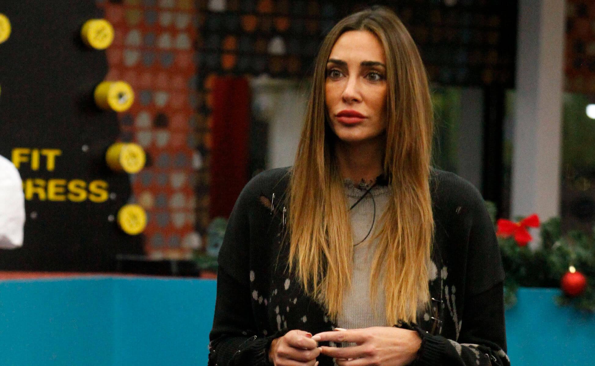 Grande Fratello Vip - Sonia minimizza lo stupro dell'attrice: è bufera sul web
