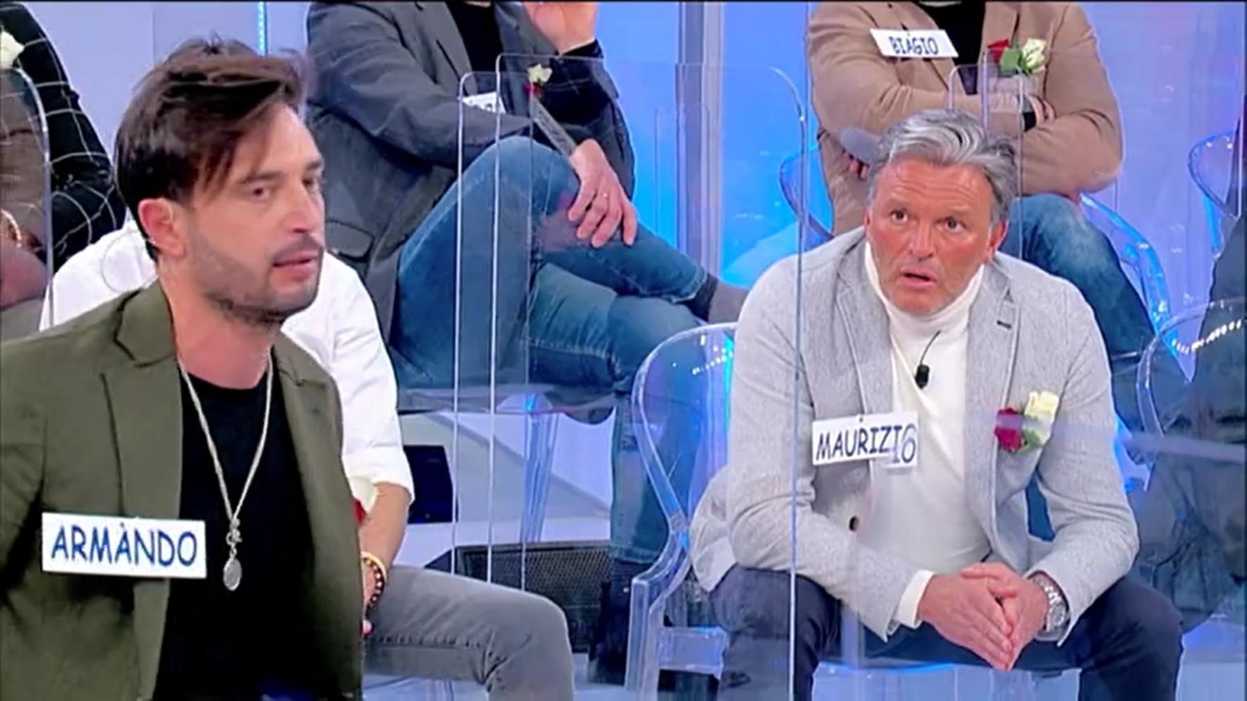 Uomini e Donne: Armando e la segnalazione su Maurizio