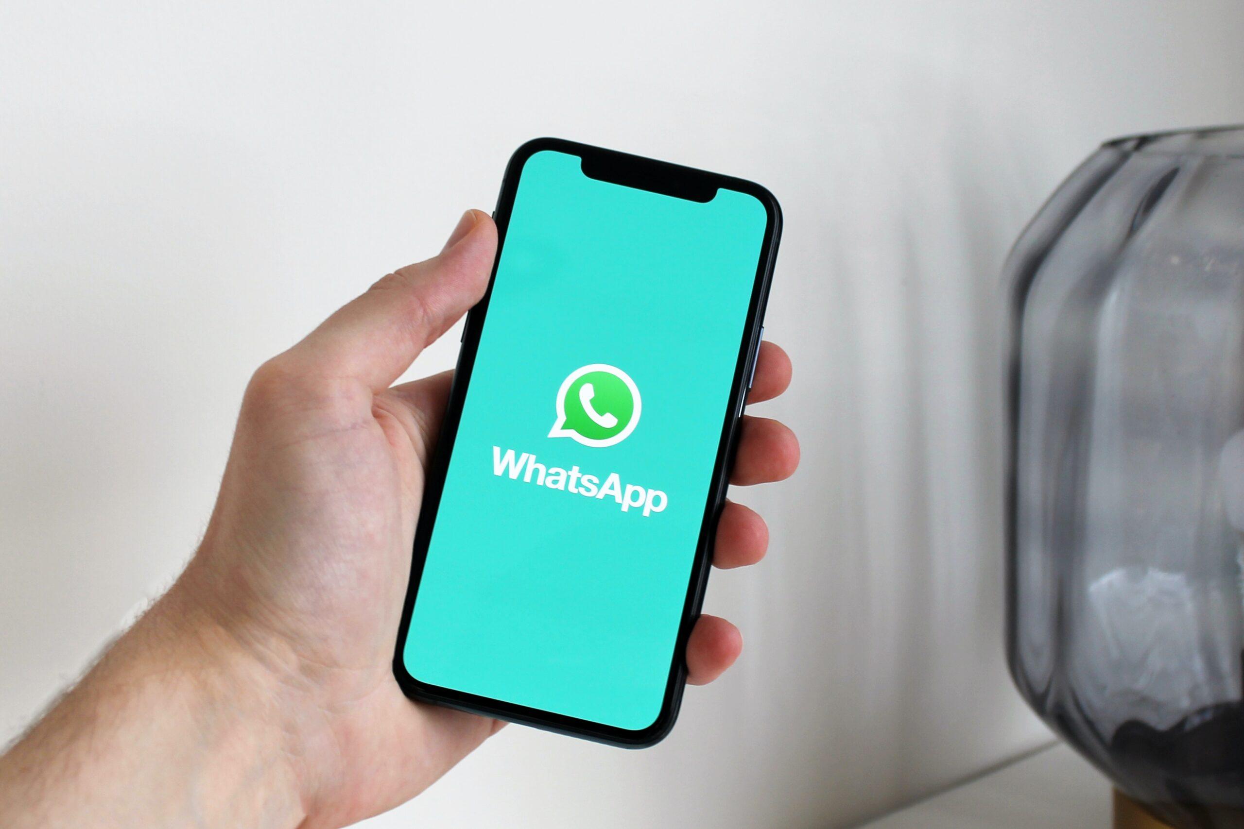 spiare whatsapp app