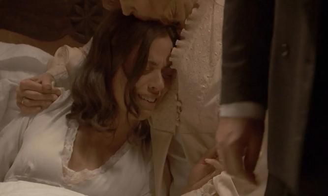 Il Segreto, puntata 25 aprile: Marta perde il bambino a cause delle percosse di Ramon