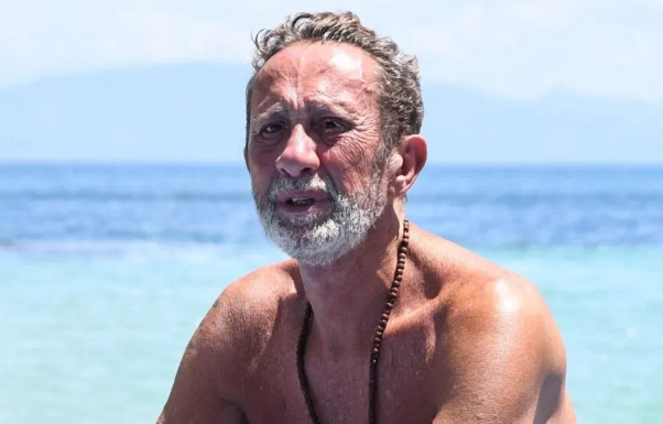 Isola 2021 - Il padre del comico ricoverato in ospedale per il Covid-19