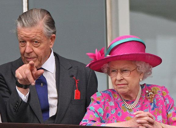 Regina Elisabetta - La Sovrana piange la scomparsa di Sir Michael Oswald