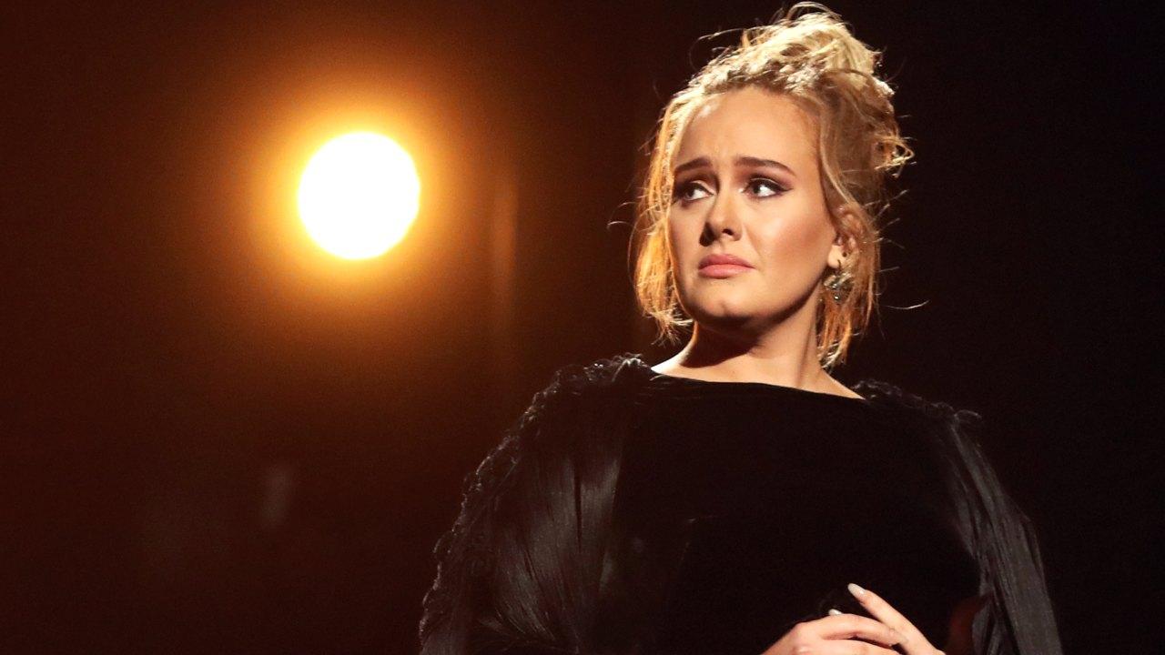 Adele colpita da un grave lutto famigliare