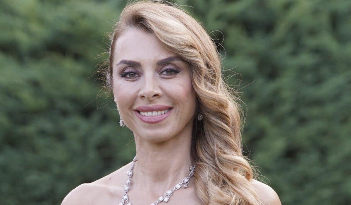 Love is in the air, Aydan incaricata di organizzare la festa di fidanzamento di Serkan