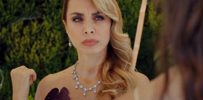 Love is in the air, puntata 14 luglio: Alptekin dimostra di essere geloso di Aydan