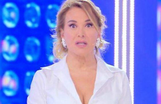 Niente Live e Domenica Live, Pomeriggio 5 ridotto: il palinsesto Mediaset