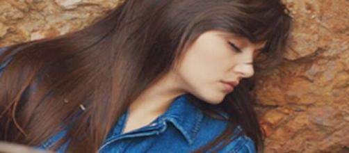 Love is in the air Serkan riesce a ritrovare la fioraia in una buca